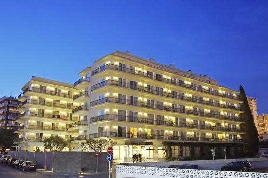 Hotel Terramar Calella Außenansicht Nacht