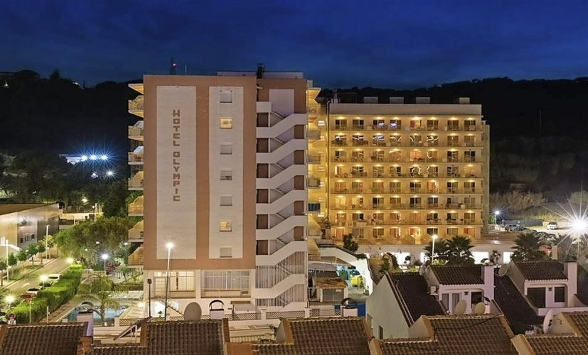 Hotel H-TOP Olympic Calella Ansicht Nacht